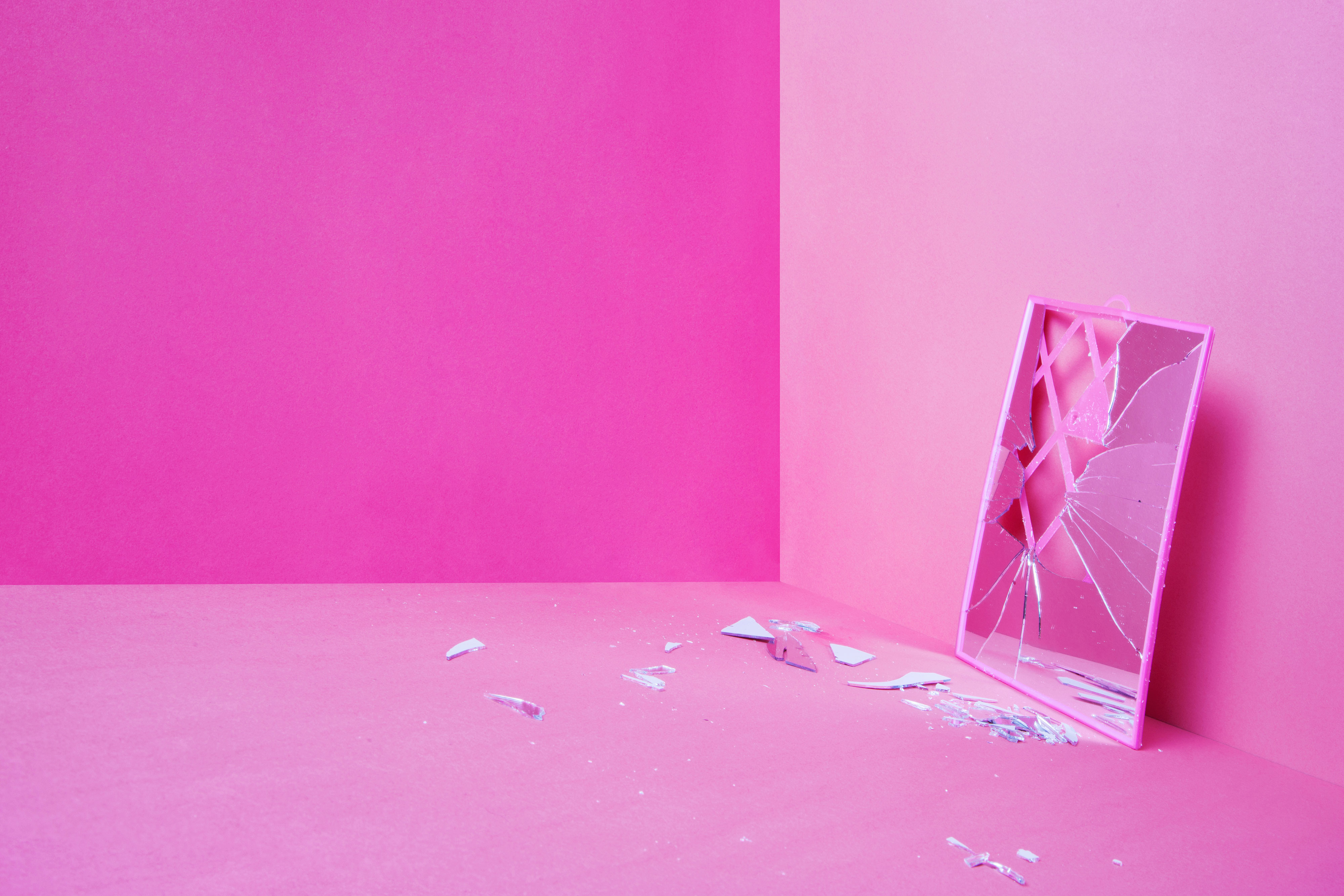 Photos de Ludovica Anzaldi sur la question de la parole des femmes et du harcèlement sexuel. De la nécessité de déconstruire les clichés.