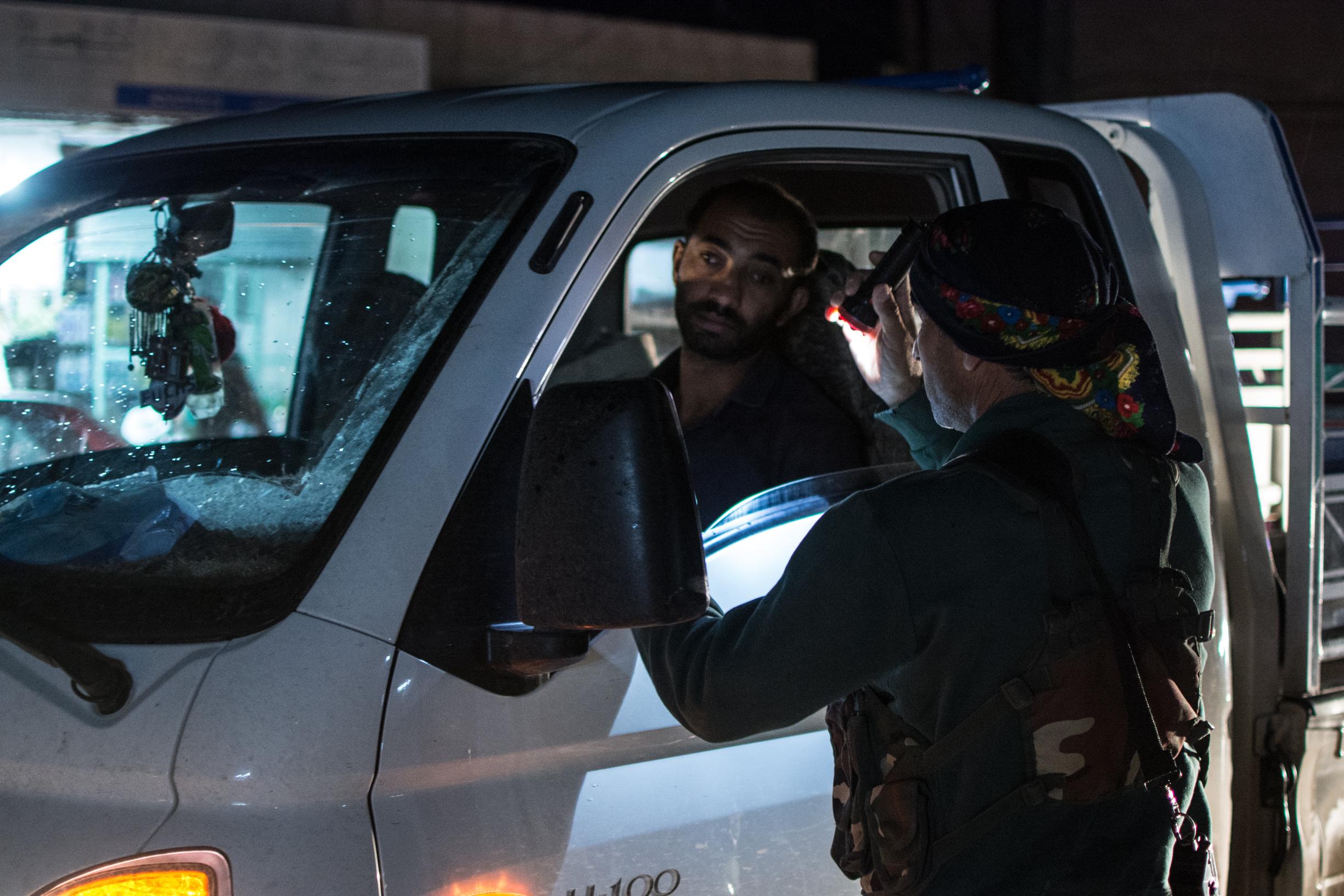 Photoreportage au Kurdistan. Notre reporter Pierre-Yves Baillet en Syrie avec les combattants kurdes.
